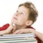 nino-libro-atencion-educacion-escuela